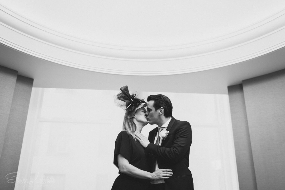 New-York-City-Hall-Elopement-Photography-Spring-Wedding-UK-Couple-In-NYC-7.jpg
