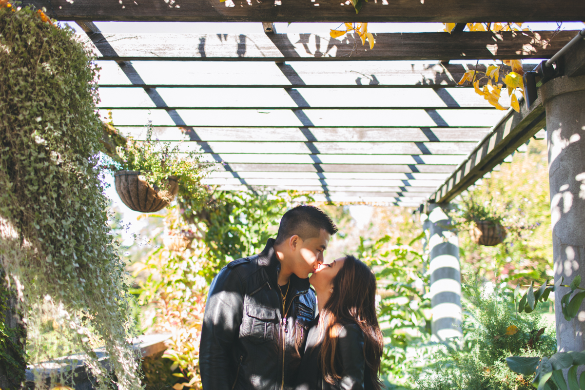 Elvira-Kalviste-Wave-Hill-Engagement-Photography-New-York-9.jpg