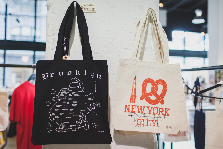 Dumbo-Brooklyn-Bridge-Bookstore-Engagement-Photos-Elvira-Kalviste-Photography-1.jpg