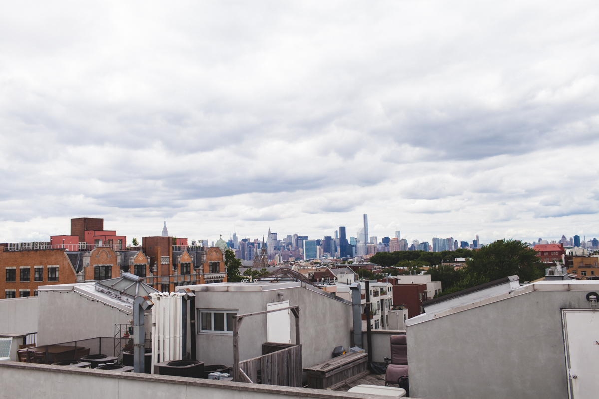 Greenpoint-Sign-Engagement-Photos-Brooklyn-3.jpg