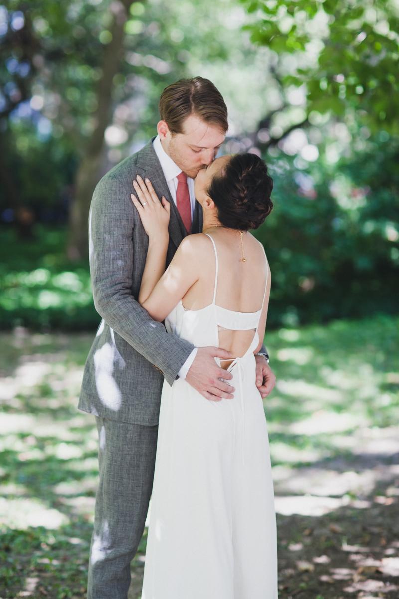 Brooklyn-Winery-Intimate-Documentary-Wedding-Photography-9.jpg