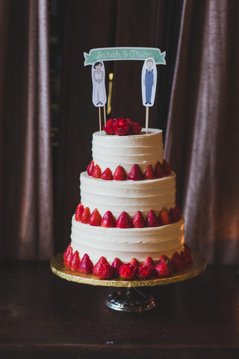 Brooklyn-Winery-Intimate-Documentary-Wedding-Photography-56.jpg