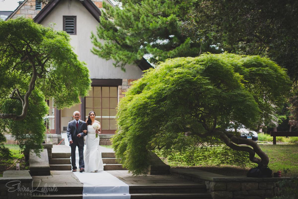 Gallaher-Mansion-Documentary-Wedding-Photographer-Norwalk-CT-Cranbury-Park-9.jpg