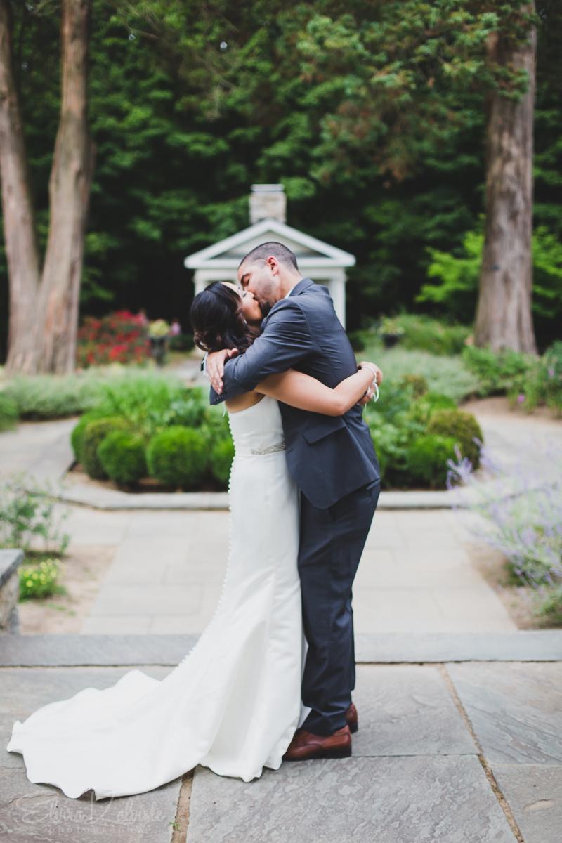Gallaher-Mansion-Documentary-Wedding-Photographer-Norwalk-CT-Cranbury-Park-15.jpg