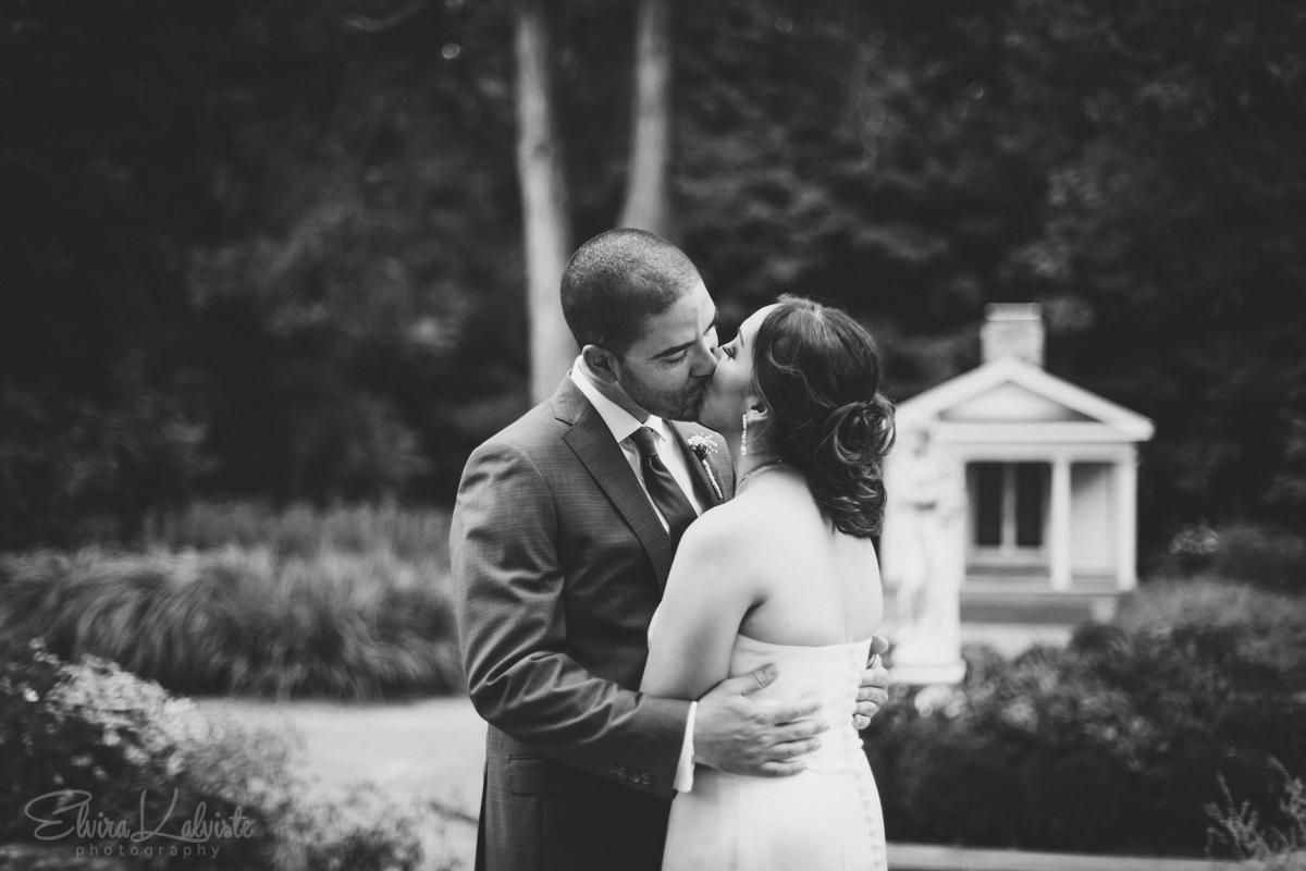 Gallaher-Mansion-Documentary-Wedding-Photographer-Norwalk-CT-Cranbury-Park-19.jpg
