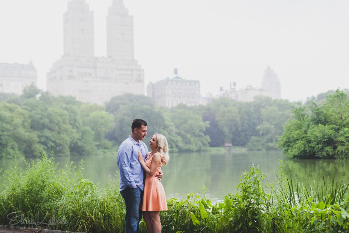 Central-Park-Engagement-Session-Elvira-Kalviste-Photography-22.jpg