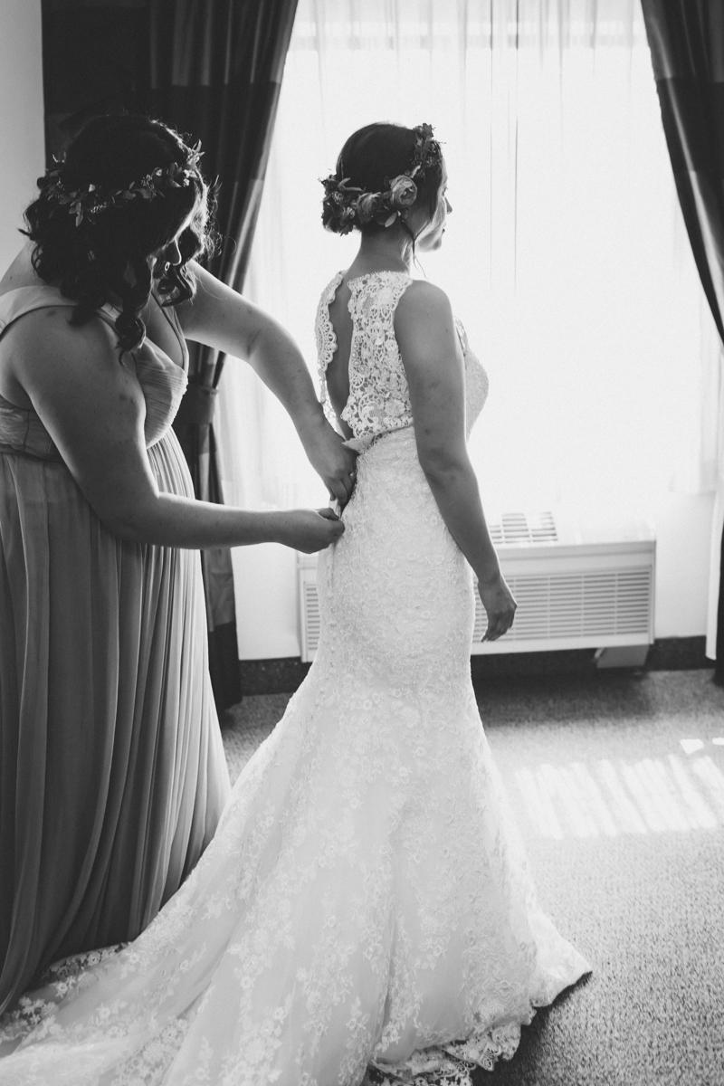 Long-Island-Documentary-Wedding-Photography-Summer-Tent-Wedding-in-New-York-12.jpg