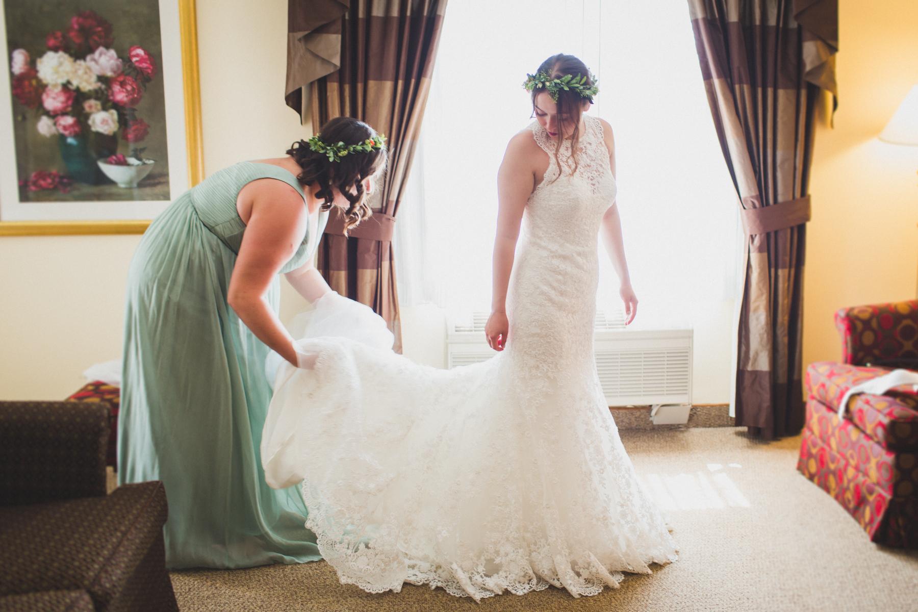 Long-Island-Documentary-Wedding-Photography-Summer-Tent-Wedding-in-New-York-15.jpg