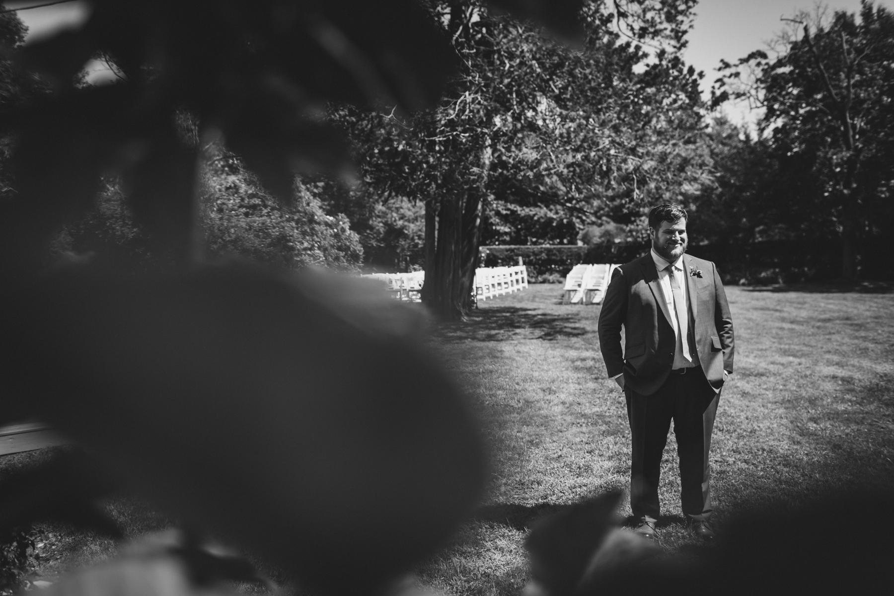 Long-Island-Documentary-Wedding-Photography-Summer-Tent-Wedding-in-New-York-17.jpg