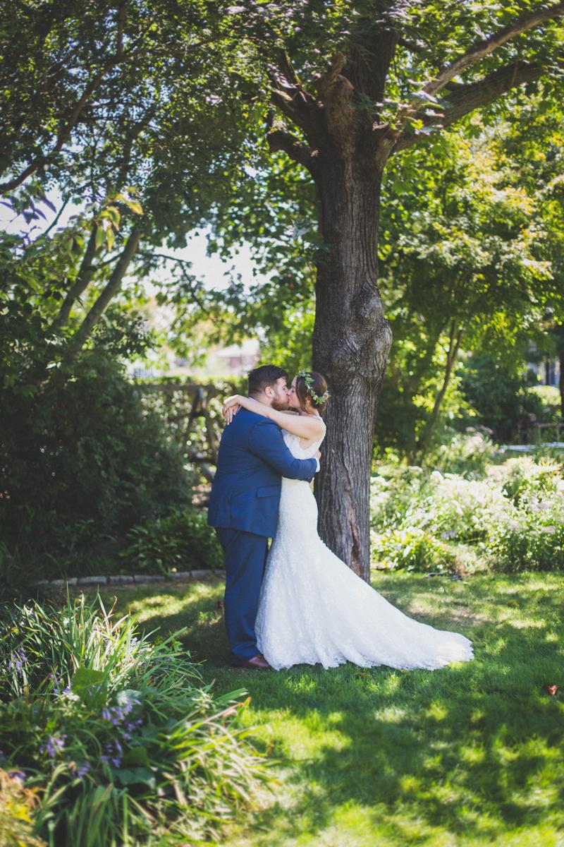 Long-Island-Documentary-Wedding-Photography-Summer-Tent-Wedding-in-New-York-26.jpg