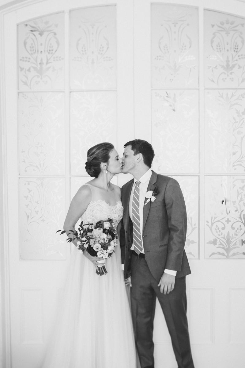 ICI-Restaurant-Fort-Greene-Brooklyn-Intimate-Documentary-Wedding-Photography-Elvira-Kalviste-27.jpg