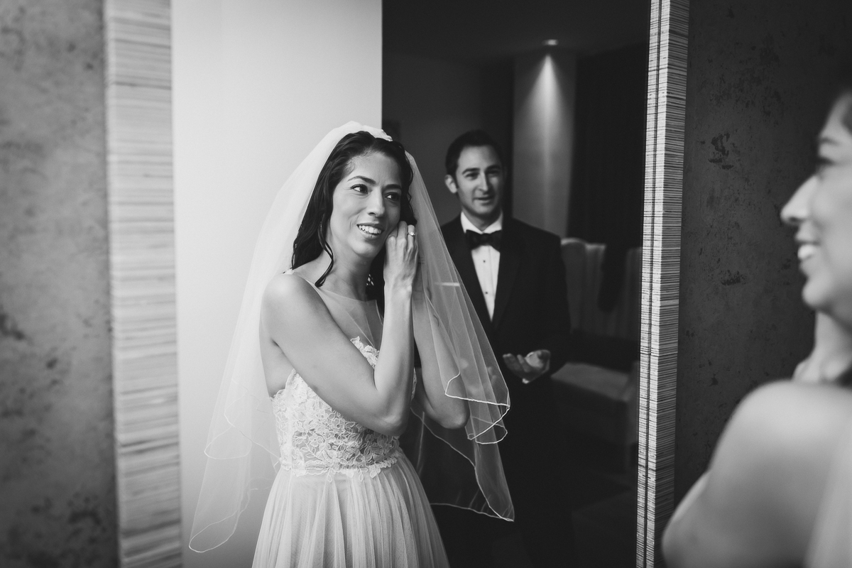 Isabellas-Restaurant-Intimate-Wedding-New-York-City-Documentary-Photography-7.jpg