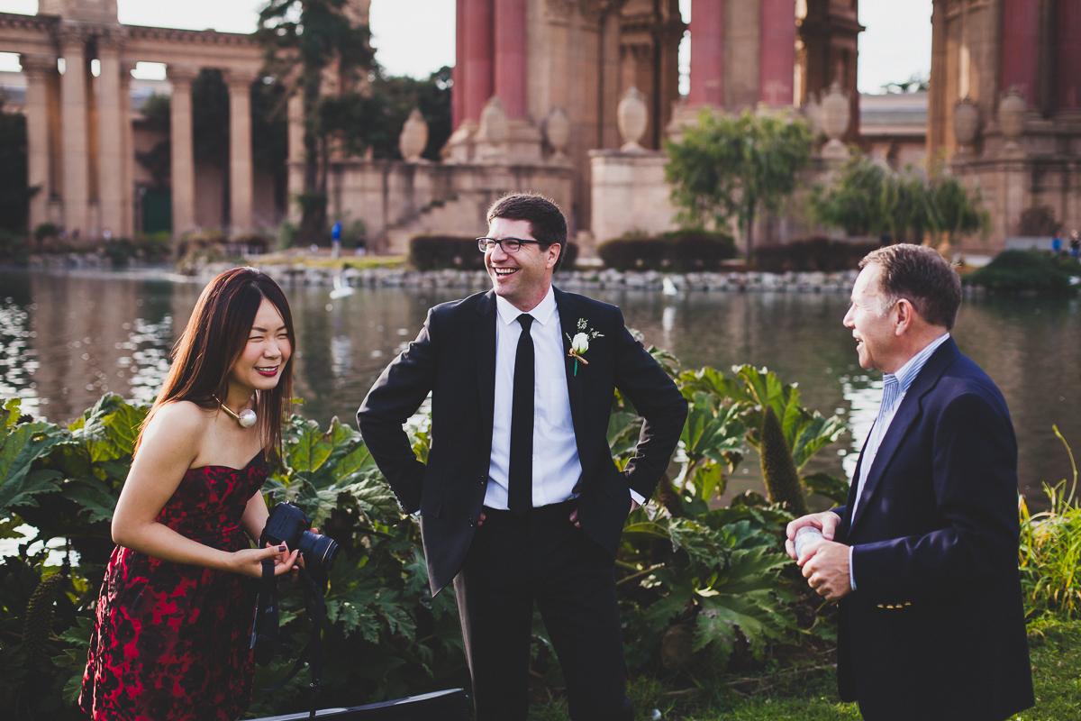 San-Francisco-Palace-of-fine-art-documentary-wedding-photographer-destination-wedding-26.jpg