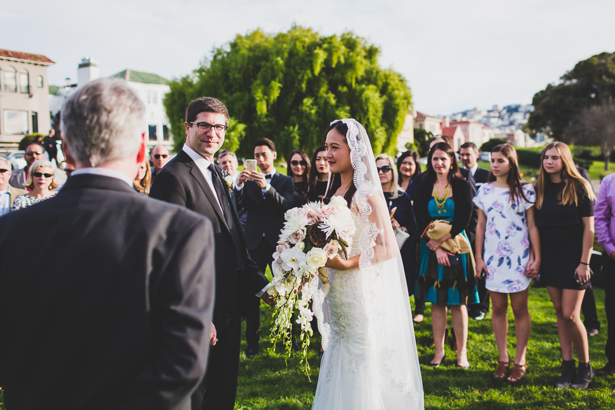 San-Francisco-Palace-of-fine-art-documentary-wedding-photographer-destination-wedding-31.jpg