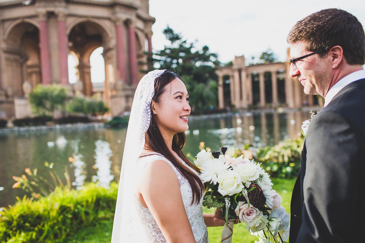 San-Francisco-Palace-of-fine-art-documentary-wedding-photographer-destination-wedding-33.jpg