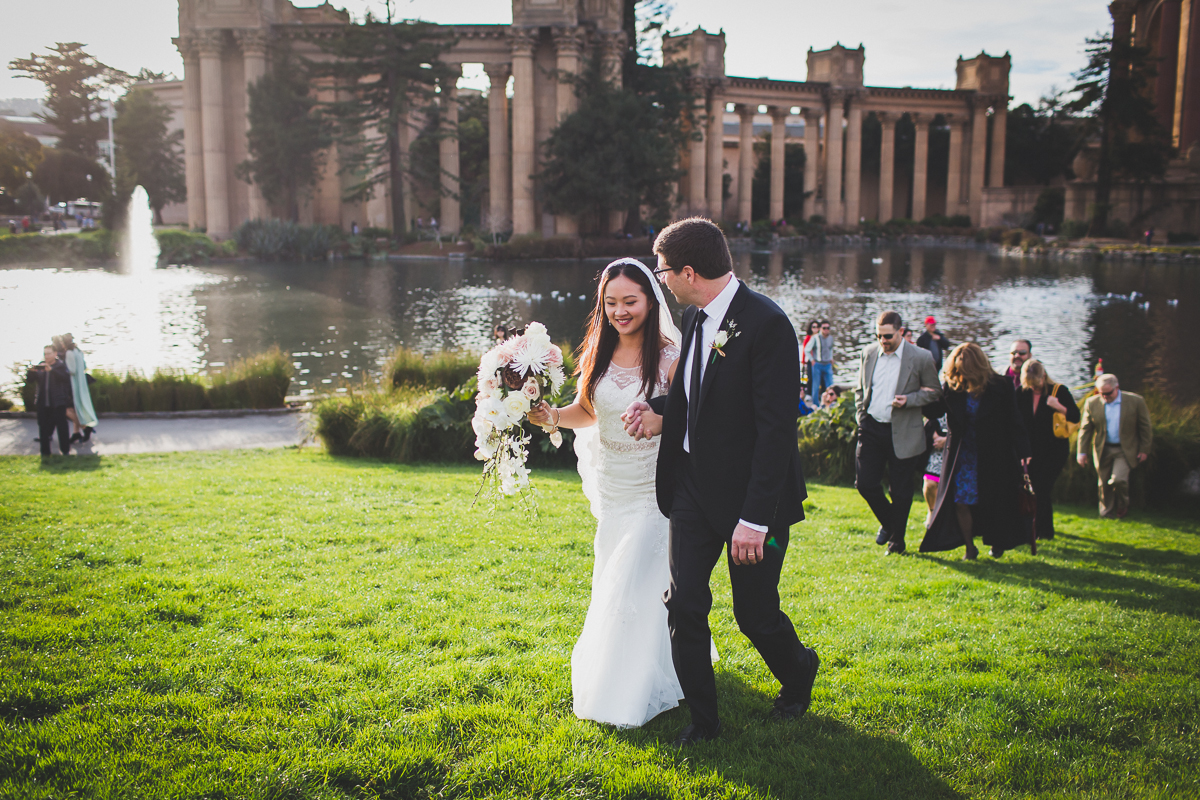 San-Francisco-Palace-of-fine-art-documentary-wedding-photographer-destination-wedding-40.jpg