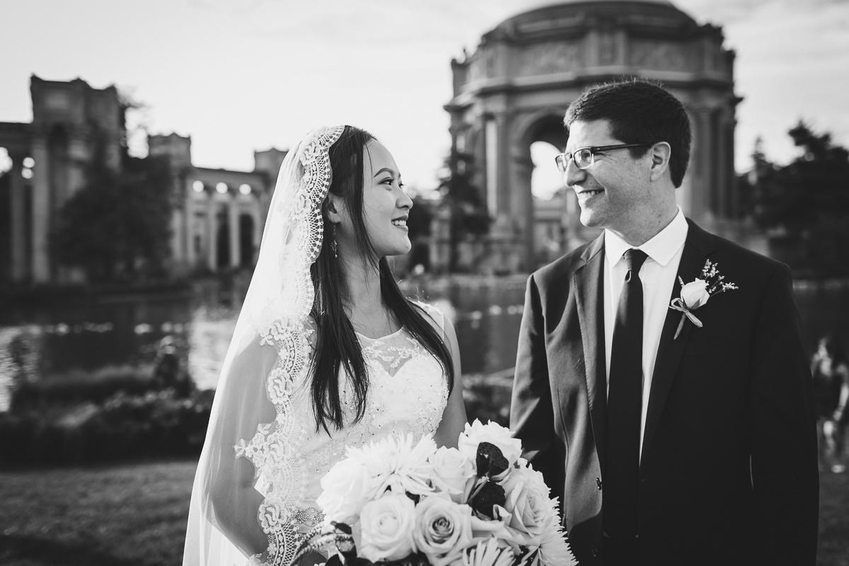 San-Francisco-Palace-of-fine-art-documentary-wedding-photographer-destination-wedding-41.jpg