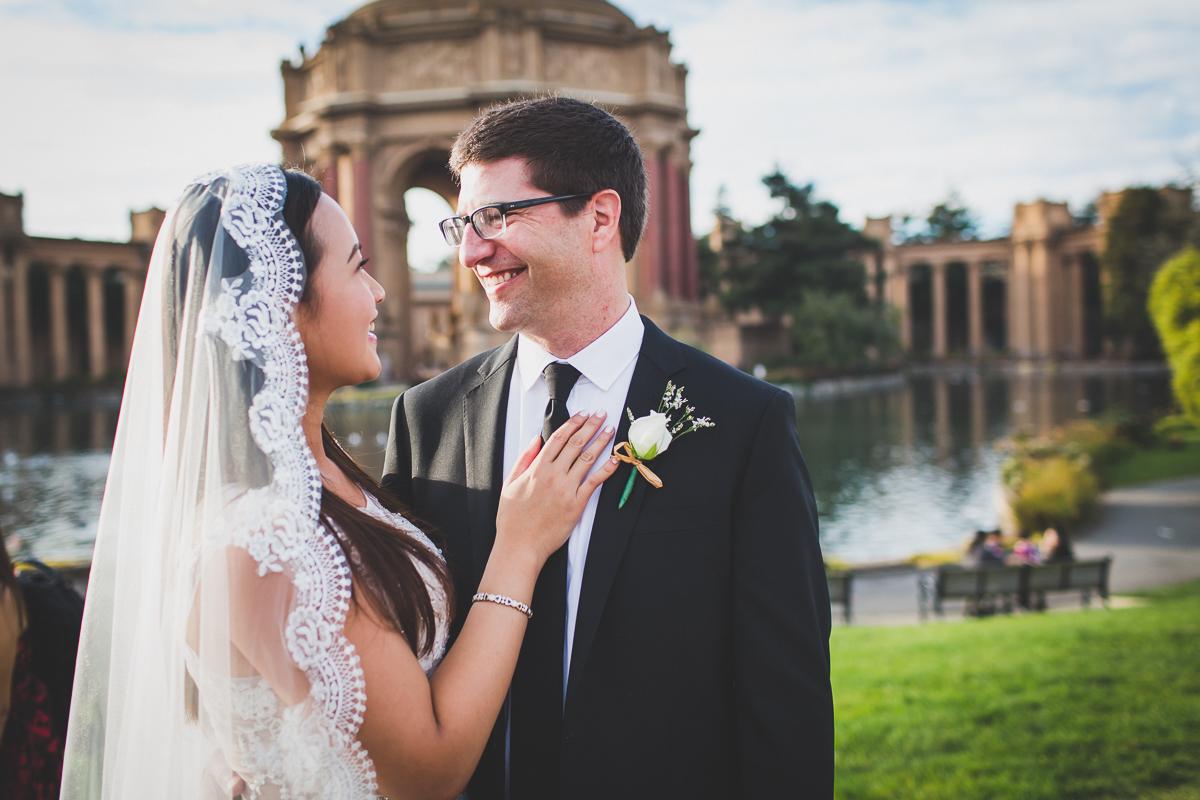 San-Francisco-Palace-of-fine-art-documentary-wedding-photographer-destination-wedding-42.jpg