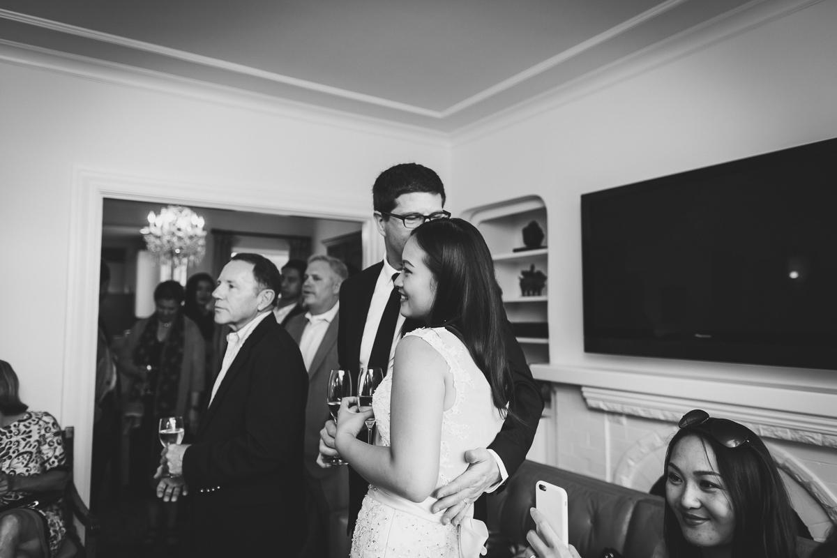 San-Francisco-Palace-of-fine-art-documentary-wedding-photographer-destination-wedding-45.jpg