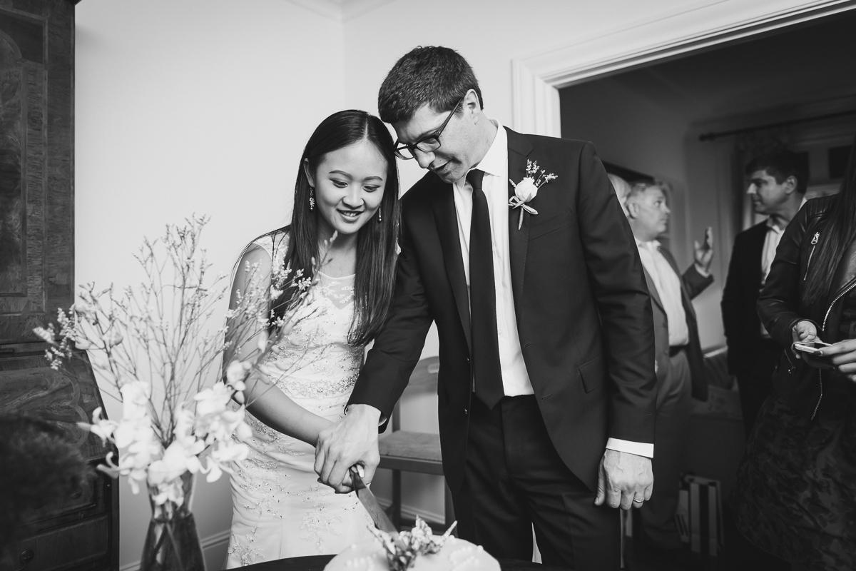 San-Francisco-Palace-of-fine-art-documentary-wedding-photographer-destination-wedding-63.jpg