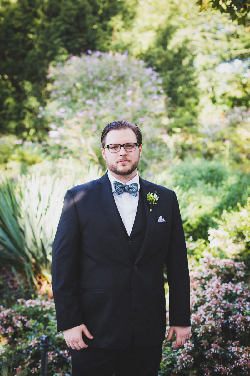Fort-Tryon-Park-Wedding-Photos-New-York-Documentary-Wedding-Photographer-1.jpg