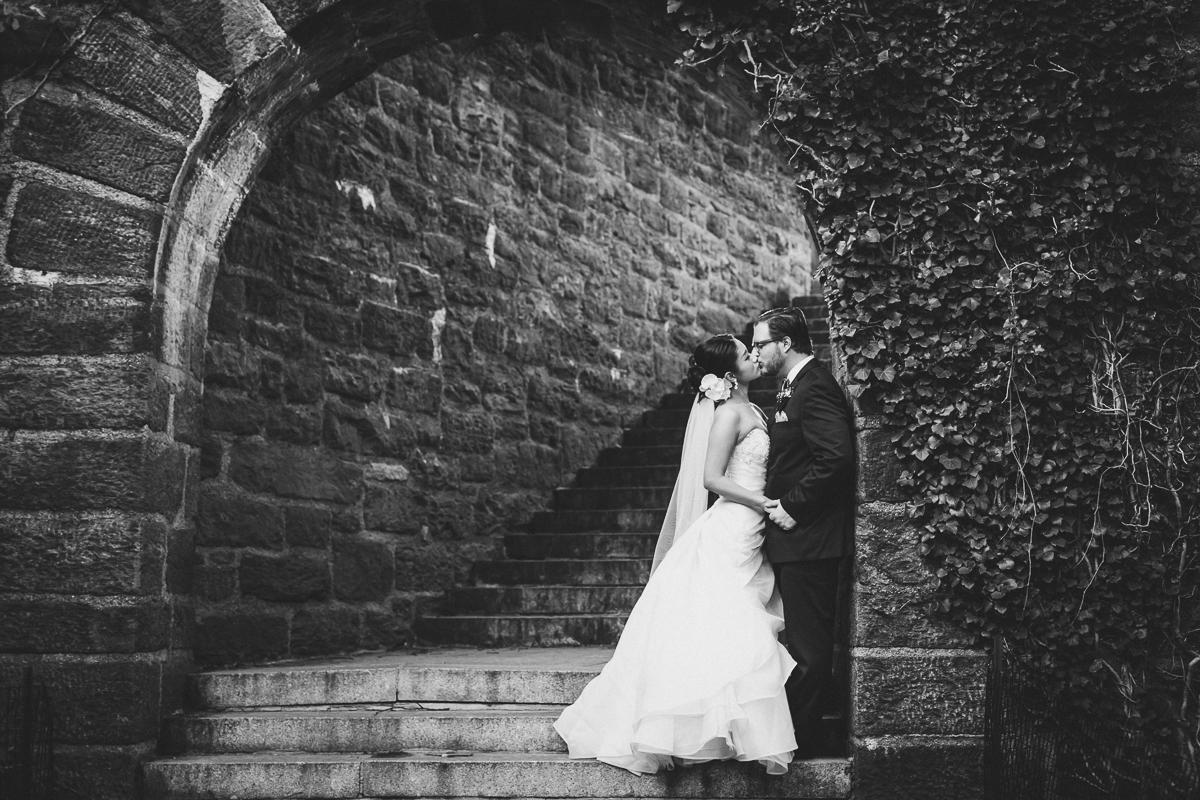 Fort-Tryon-Park-Wedding-Photos-New-York-Documentary-Wedding-Photographer-17.jpg