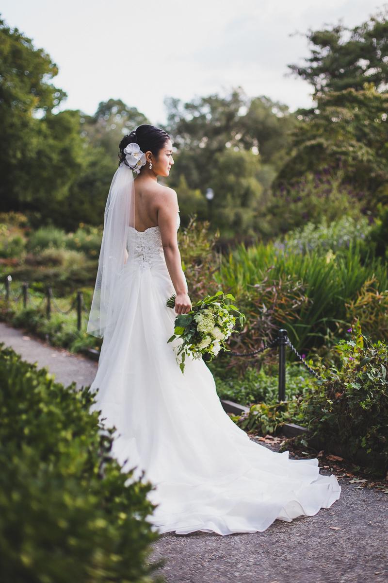 Fort-Tryon-Park-Wedding-Photos-New-York-Documentary-Wedding-Photographer-20.jpg
