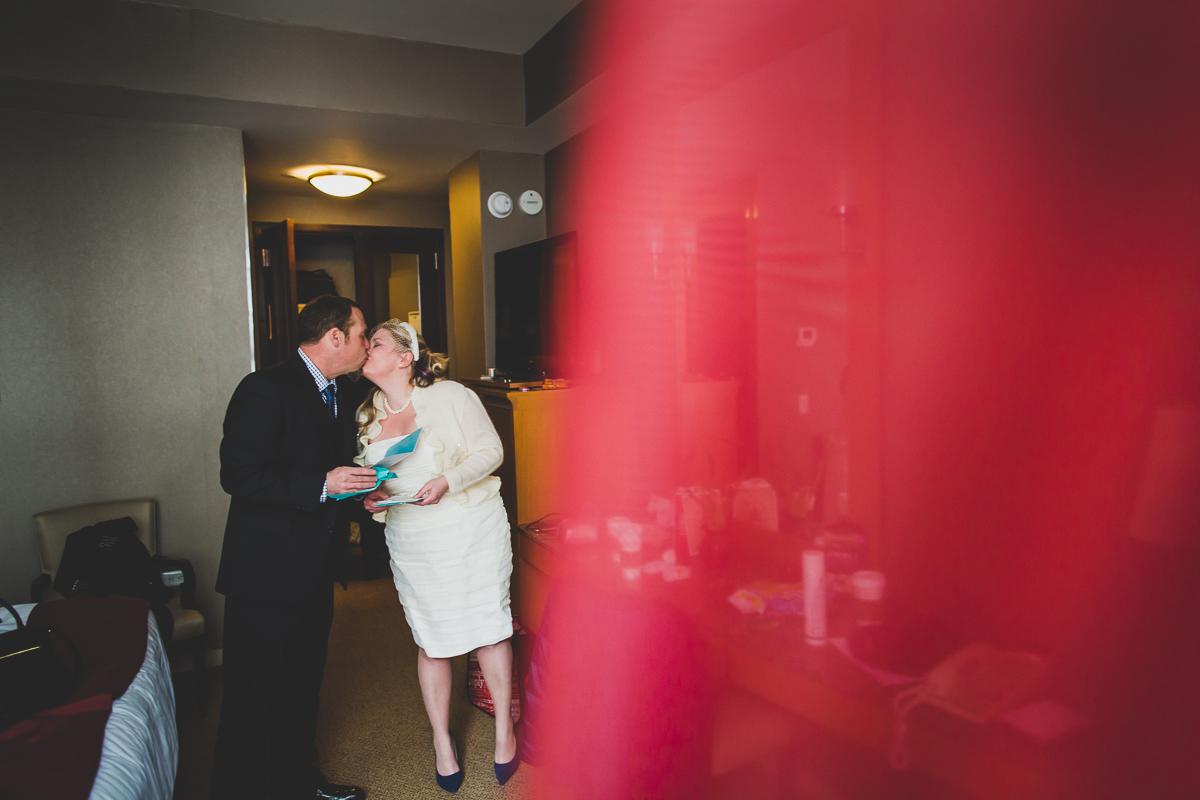 Giraffe-Hotel-New-York-City-Hall-Elopement-Documentary-Wedding-Photographer-20.jpg
