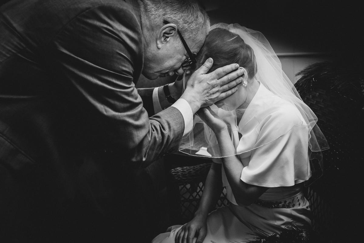 Spring-Camp-Wedding-at-Isabella-Freemans-Jewish-Retreat-Center-New-York-and-Connecticut-Documentary-Wedding-Photographer-27.jpg