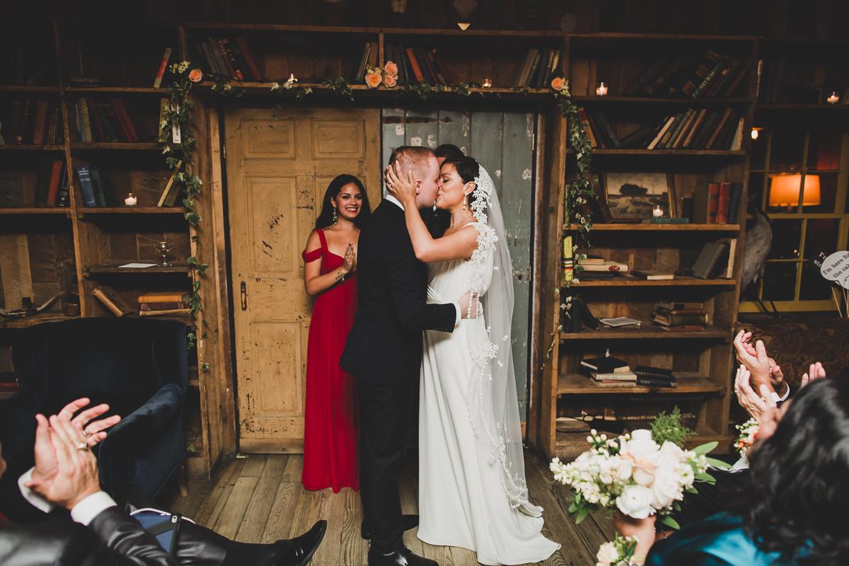 Freemans-Restaurant-Hotel-Indigo-Intimate-Wedding-New-York-Documentary-Wedding-Photography-37.jpg