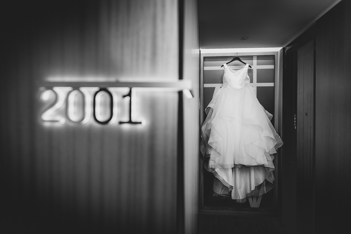 t.b.d-brooklyn-bar-mccarren-park-ceremony-laid-back-documentary-wedding-photographer-mia-chad-2.jpg