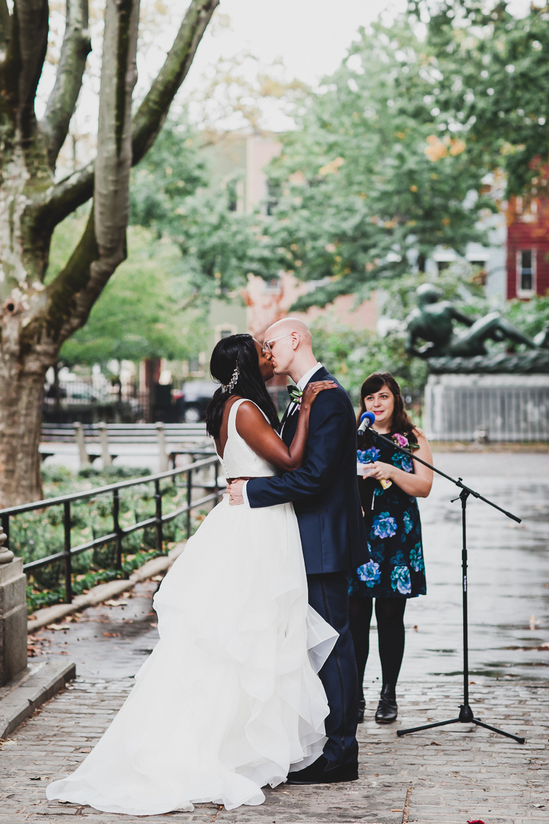 t.b.d-brooklyn-bar-mccarren-park-ceremony-laid-back-documentary-wedding-photographer-mia-chad-36.jpg