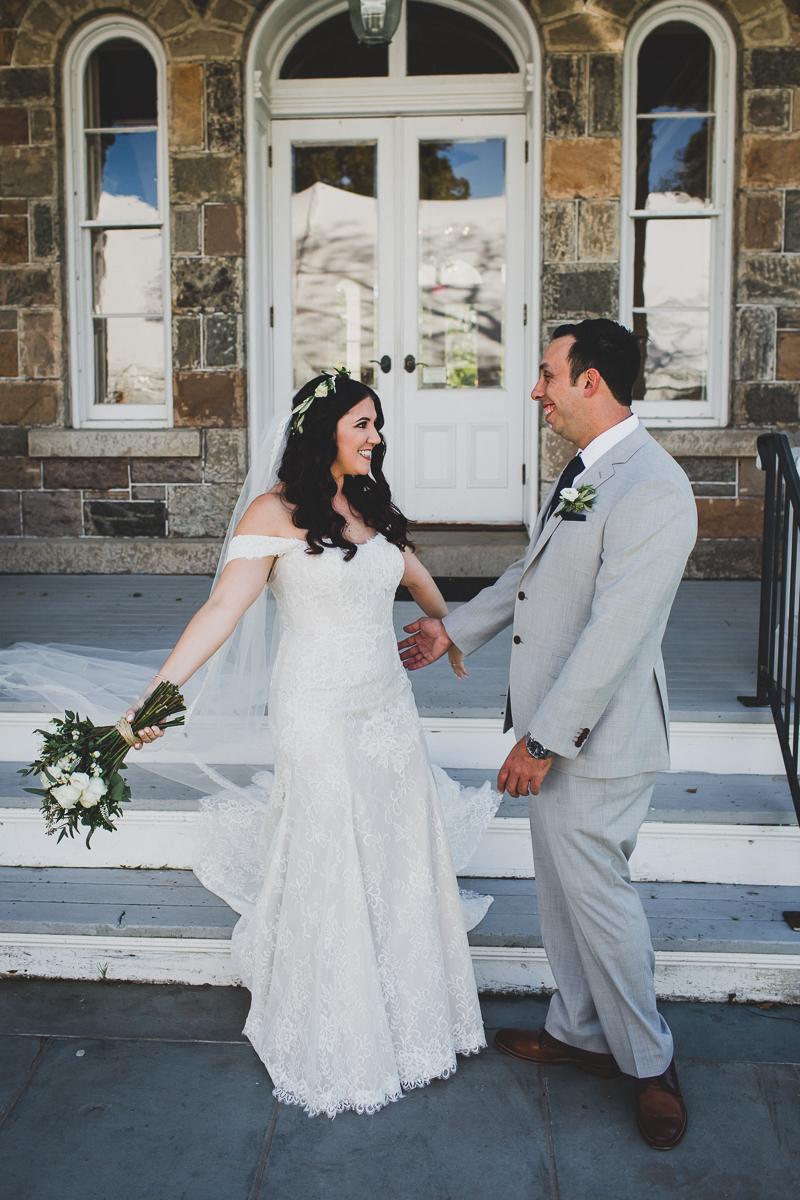 Brecknock-Hall-Greenport-Long-Island-Documentary-Wedding-Photographer-Elvira-Kalviste-16.jpg