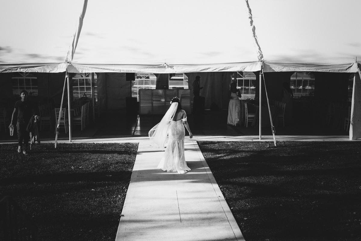 Brecknock-Hall-Greenport-Long-Island-Documentary-Wedding-Photographer-Elvira-Kalviste-39.jpg