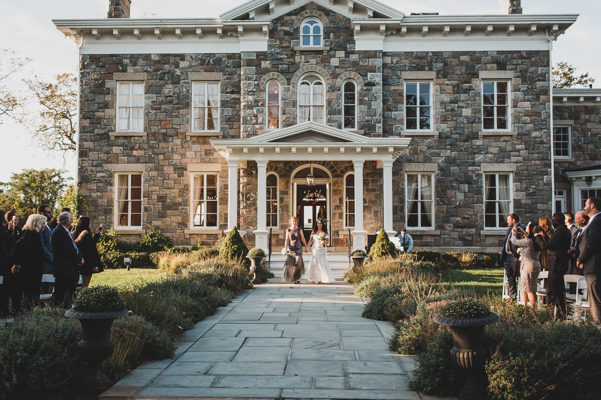 Brecknock-Hall-Greenport-Long-Island-Documentary-Wedding-Photographer-Elvira-Kalviste-46.jpg
