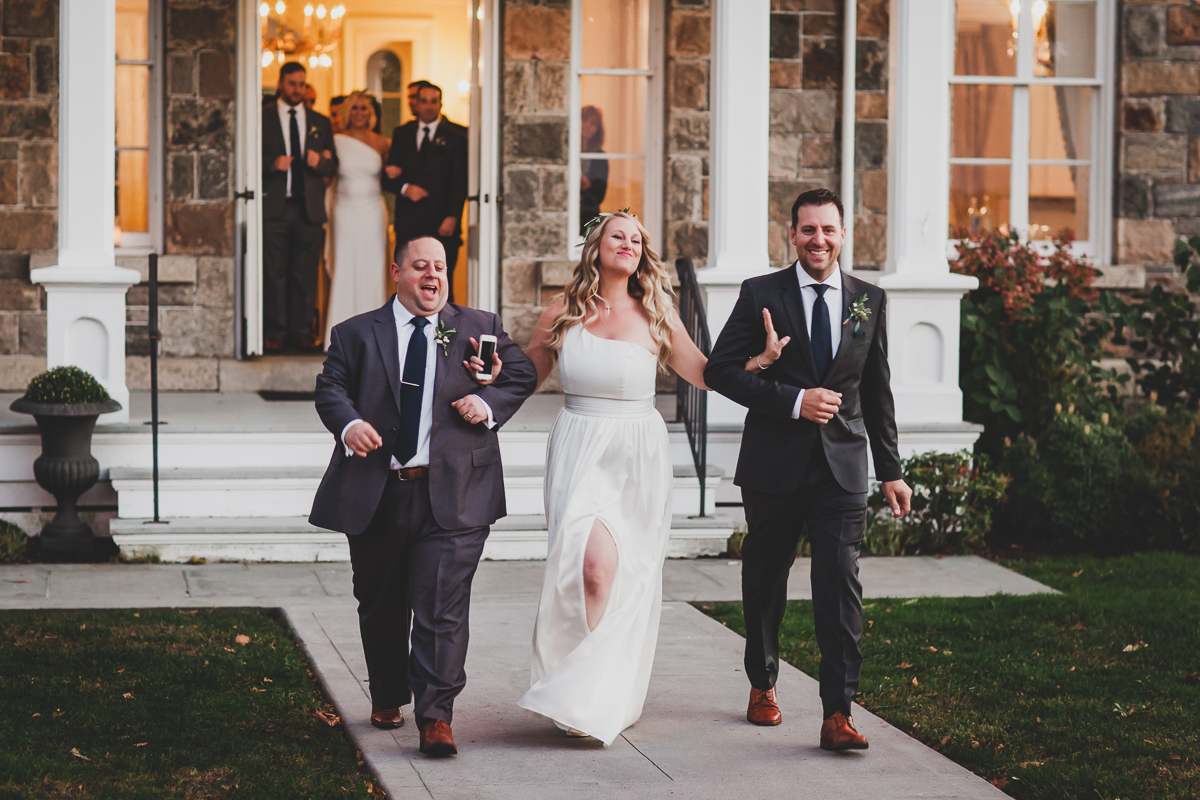Brecknock-Hall-Greenport-Long-Island-Documentary-Wedding-Photographer-Elvira-Kalviste-61.jpg