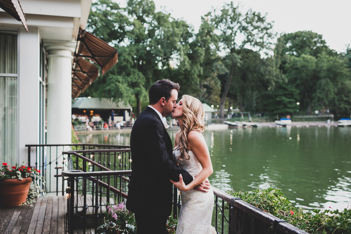 New-York-Central-Park-Loebs-Boat-House-NYC-Documentary-Wedding-Photographer-57.jpg