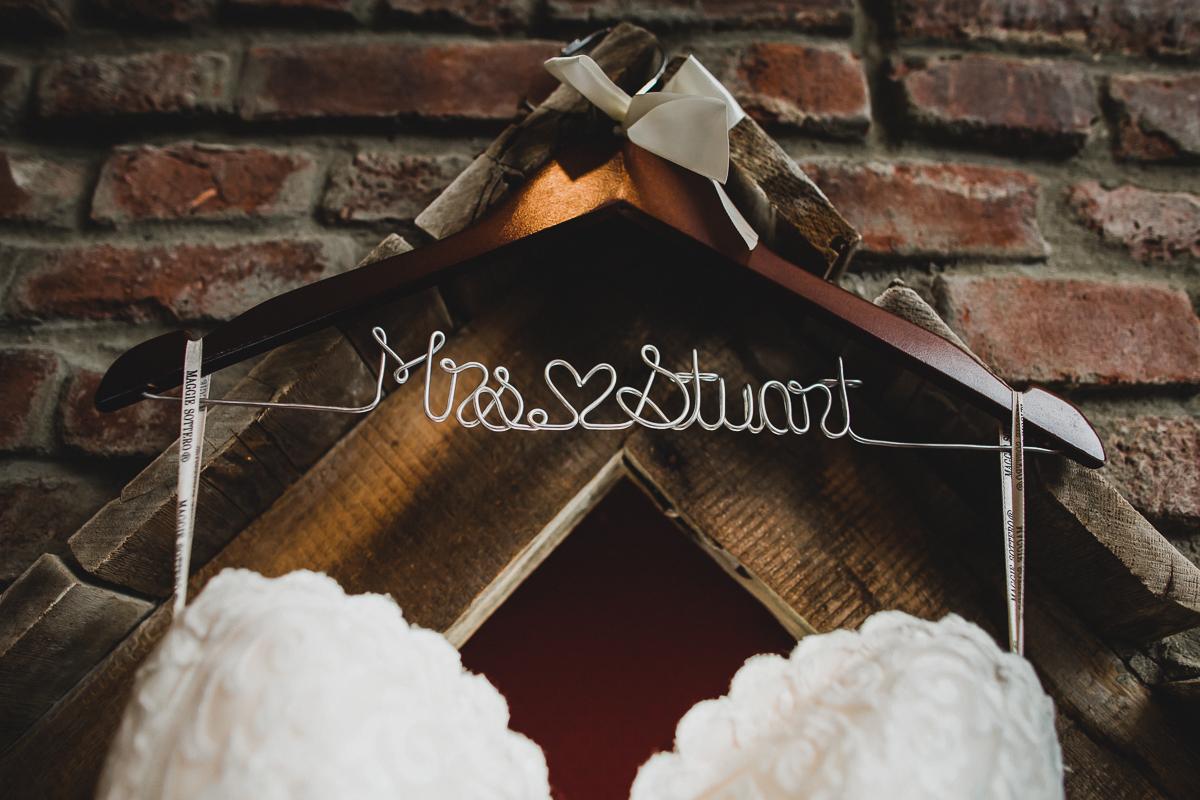 Jedediah-Hawkins-Inn-Documentary-Wedding-Photographer-Long-Island-2.jpg