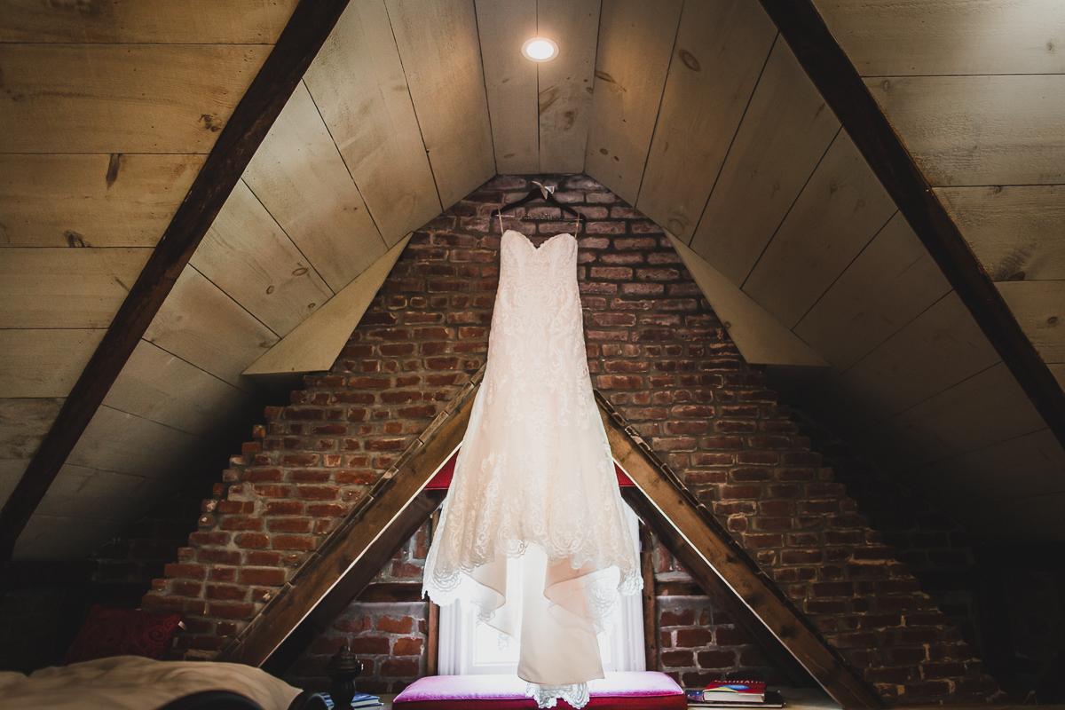 Jedediah-Hawkins-Inn-Documentary-Wedding-Photographer-Long-Island-1.jpg