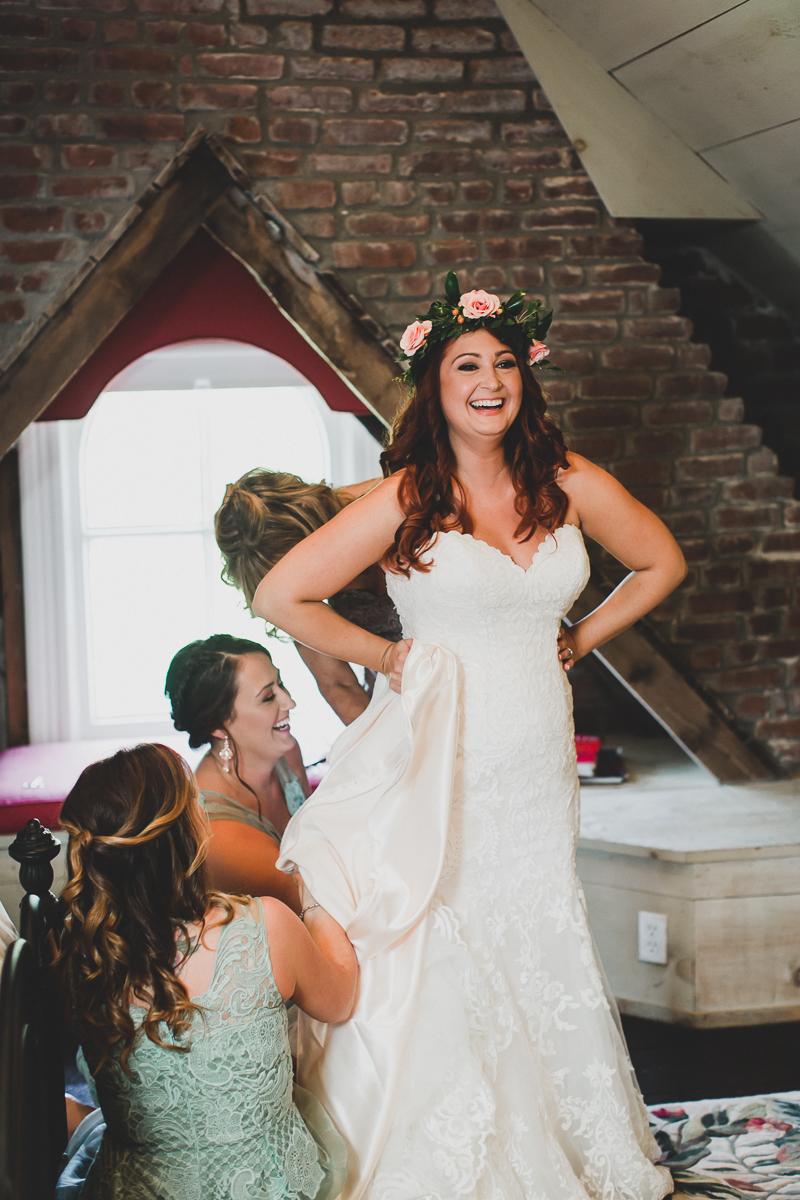 Jedediah-Hawkins-Inn-Documentary-Wedding-Photographer-Long-Island-17.jpg