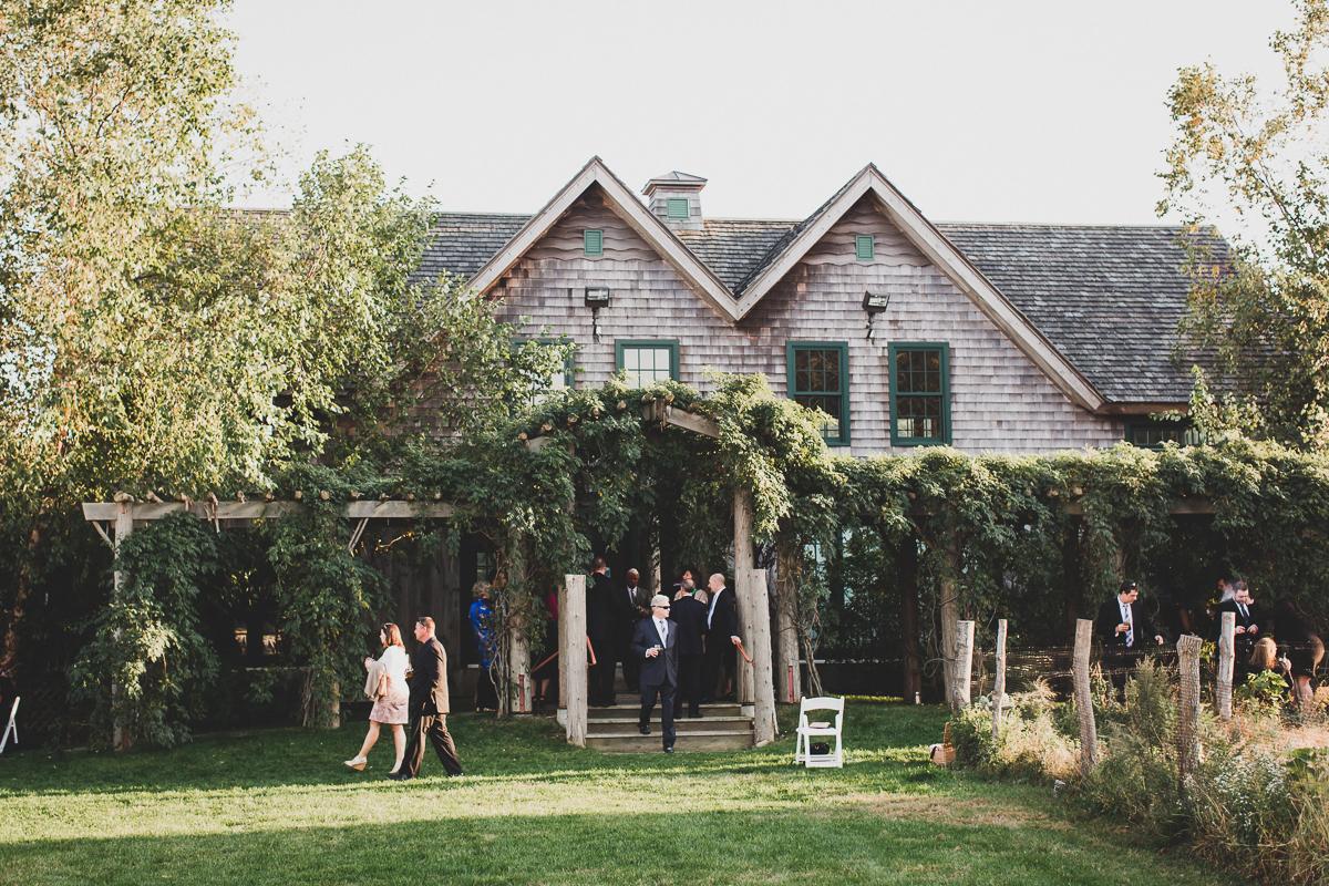 Jedediah-Hawkins-Inn-Documentary-Wedding-Photographer-Long-Island-76.jpg