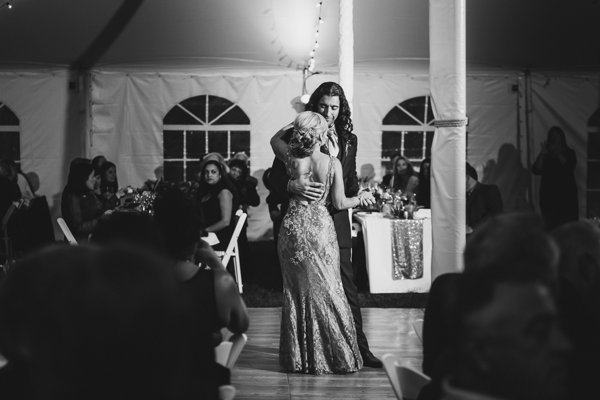 Jedediah-Hawkins-Inn-Documentary-Wedding-Photographer-Long-Island-98.jpg