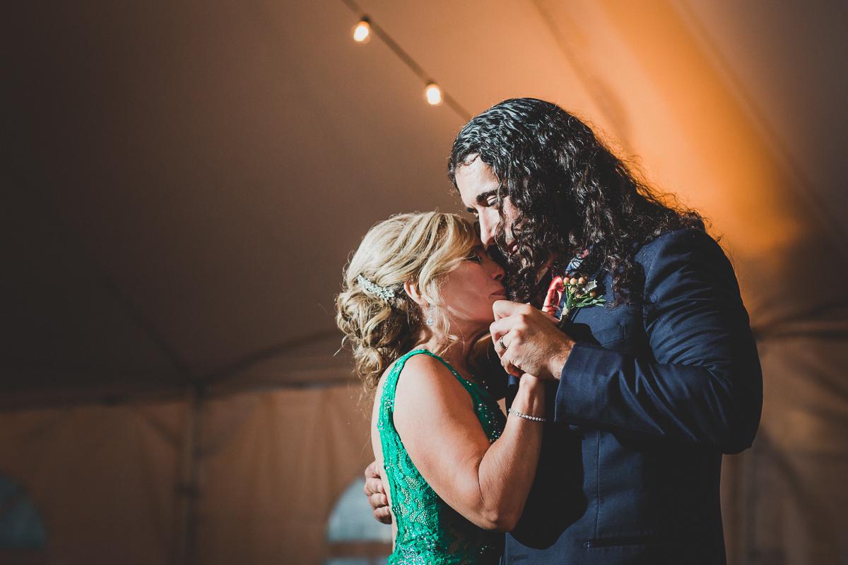Jedediah-Hawkins-Inn-Documentary-Wedding-Photographer-Long-Island-99.jpg
