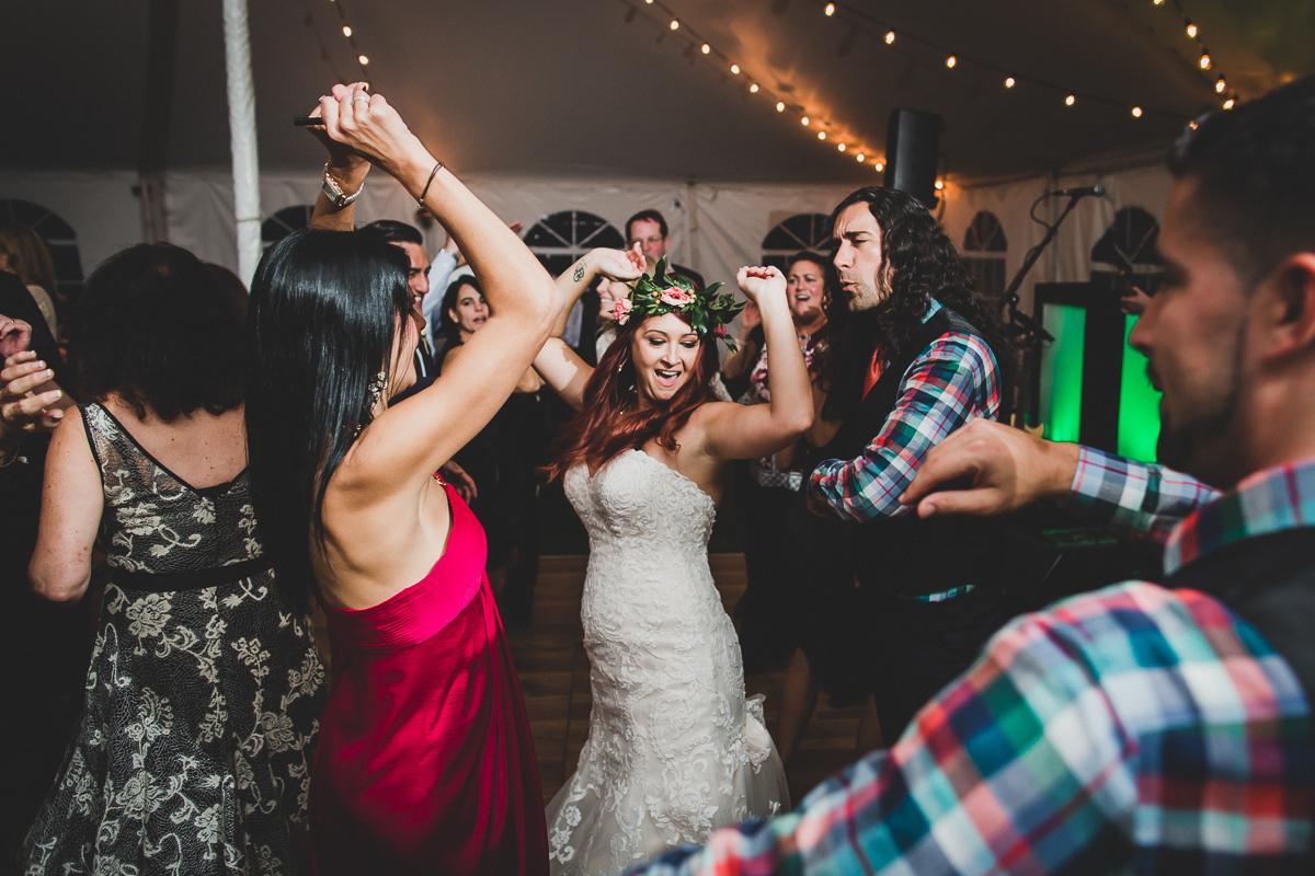 Jedediah-Hawkins-Inn-Documentary-Wedding-Photographer-Long-Island-106.jpg