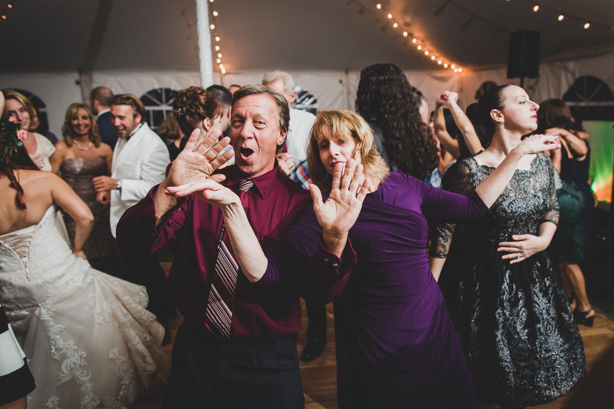 Jedediah-Hawkins-Inn-Documentary-Wedding-Photographer-Long-Island-108.jpg