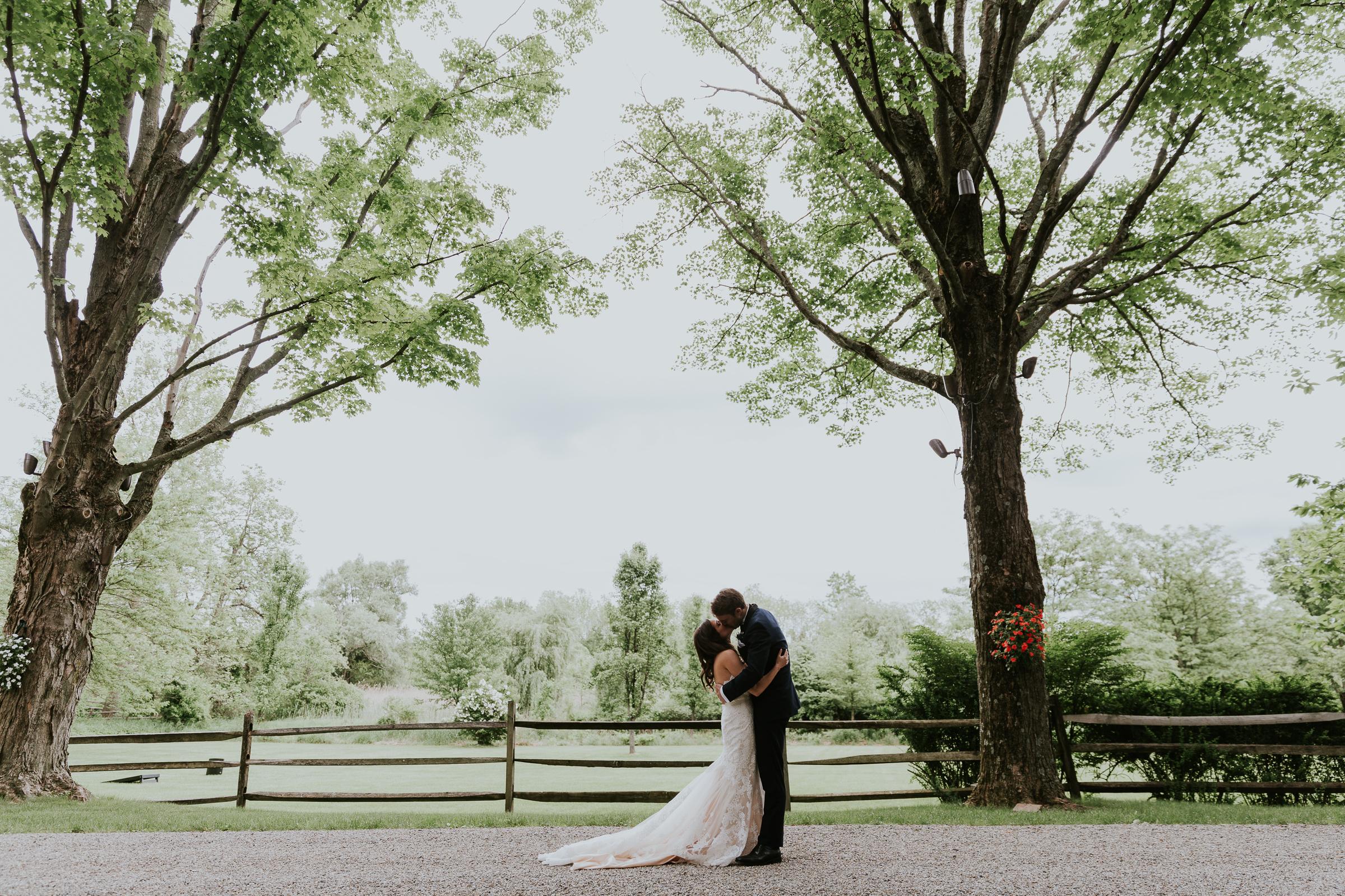 Crossed-Keys-Estate-Andover-NJ-Fine-Art-Documentary-Wedding-Photographer-43.jpg