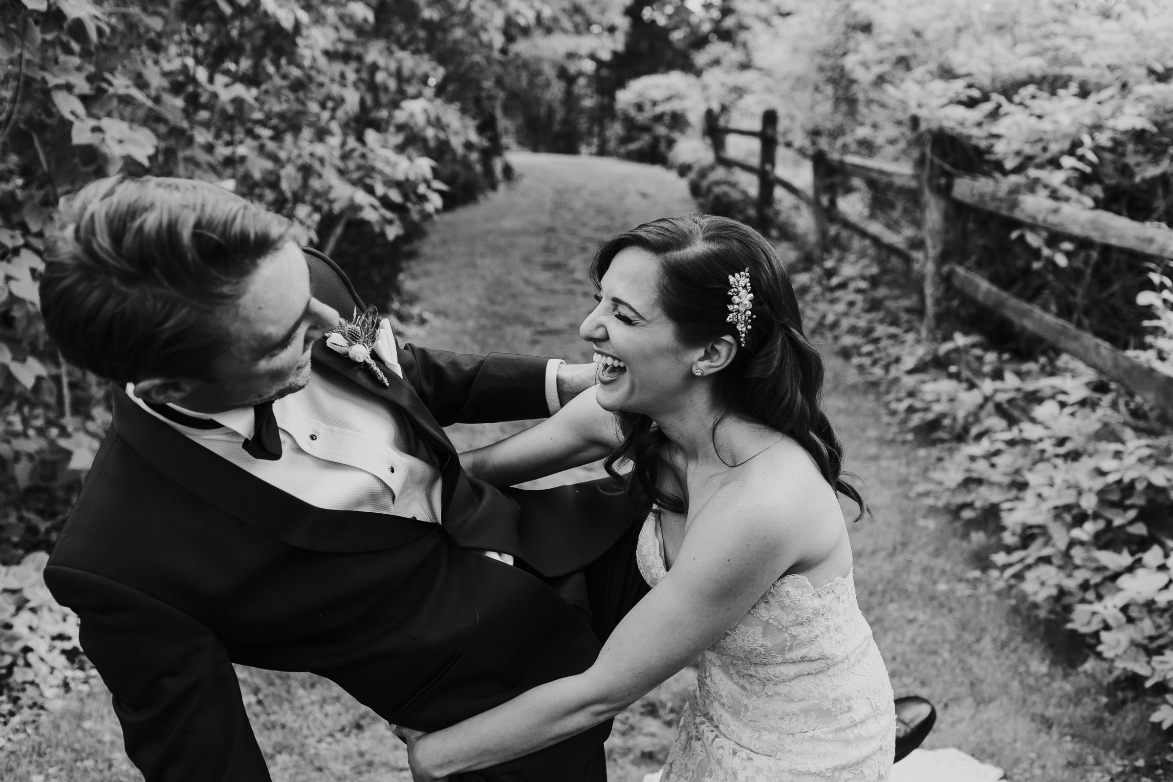 Crossed-Keys-Estate-Andover-NJ-Fine-Art-Documentary-Wedding-Photographer-48.jpg