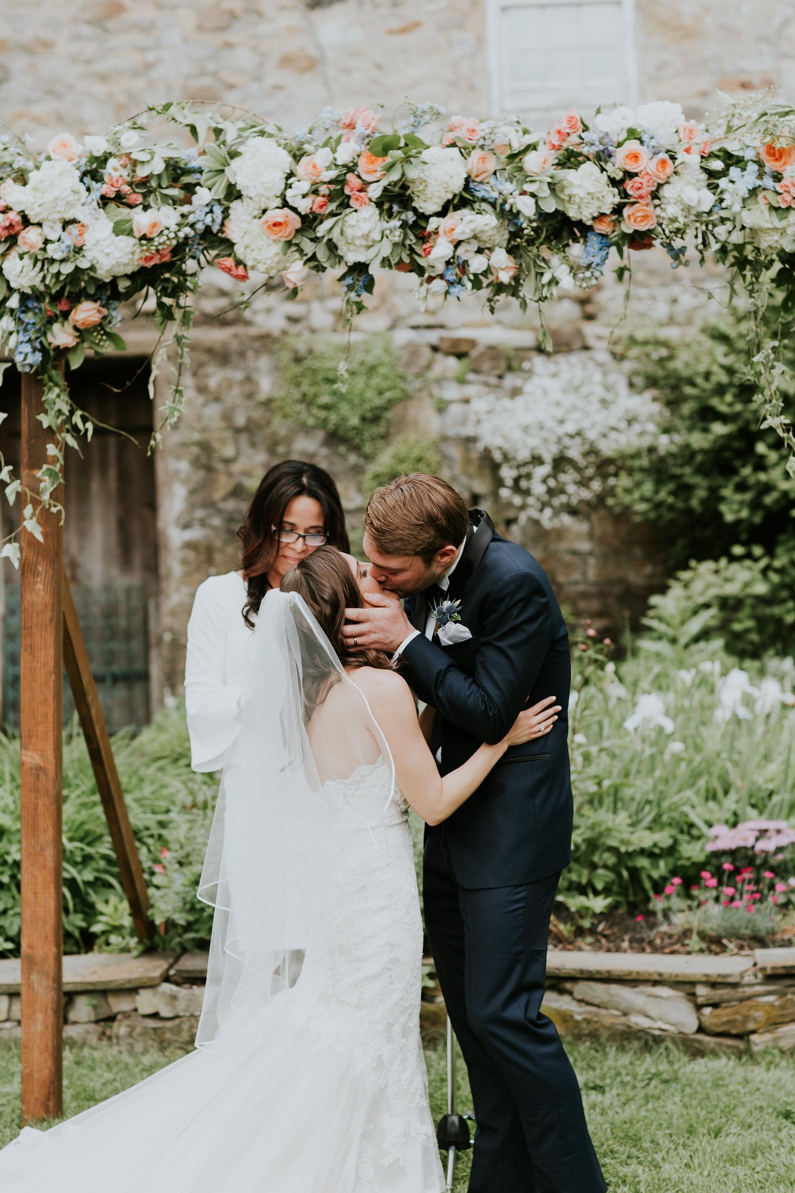 Crossed-Keys-Estate-Andover-NJ-Fine-Art-Documentary-Wedding-Photographer-91.jpg