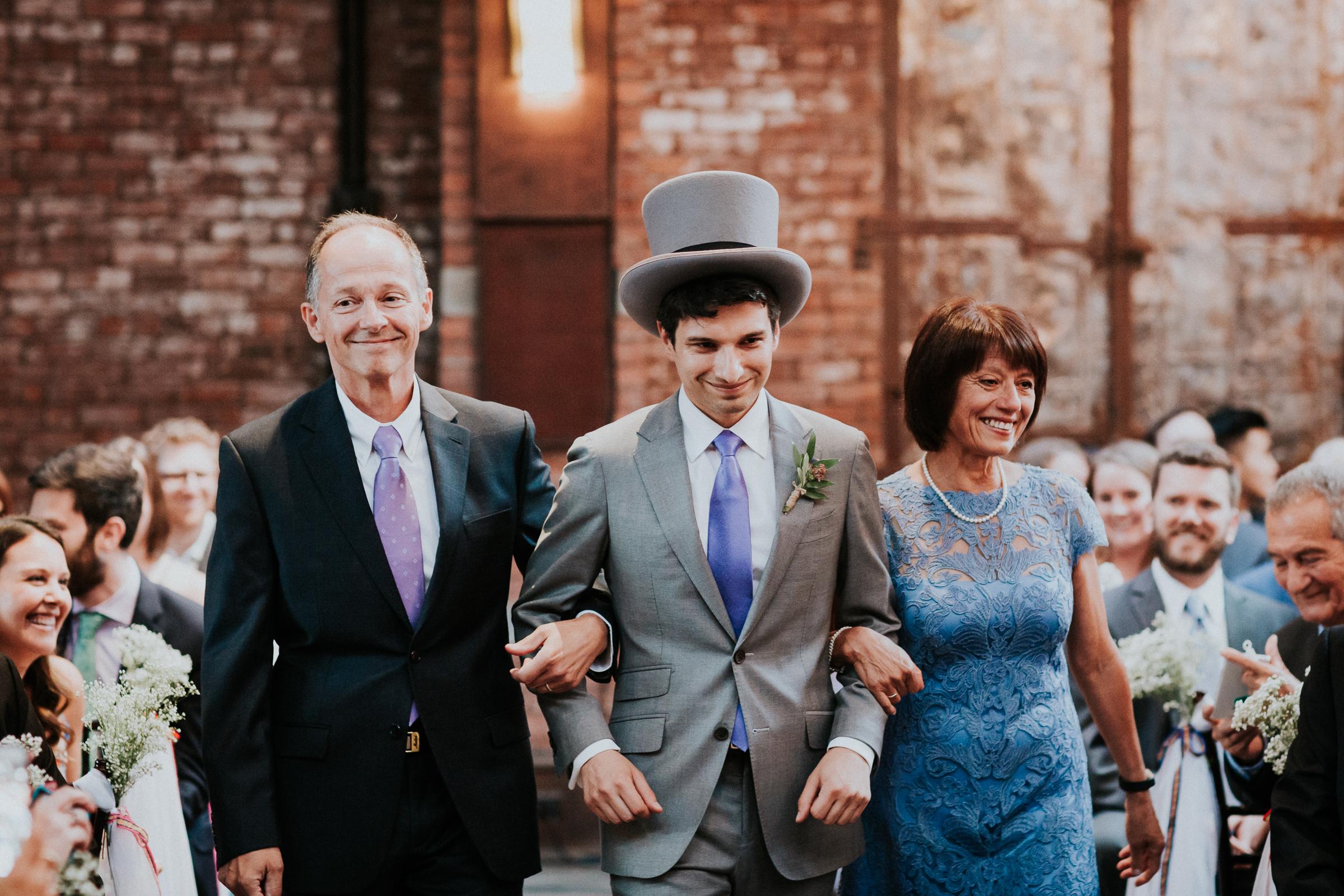 Dinosaur-Inspired-Brooklyn-Wedding-26-Bridge-New-York-Documentary-Wedding-Photographer-51.jpg