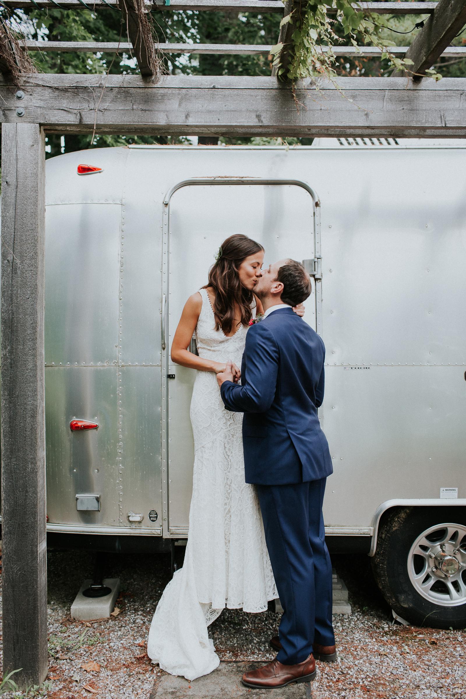 Marianmade-Farm-Wiscasset-Maine-Fine-Art-Documentary-Wedding-Photographer-Elvira-Kalviste-Photography-36.jpg